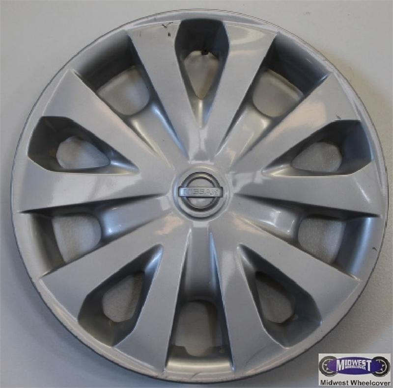 Nissan Versa Hubcap