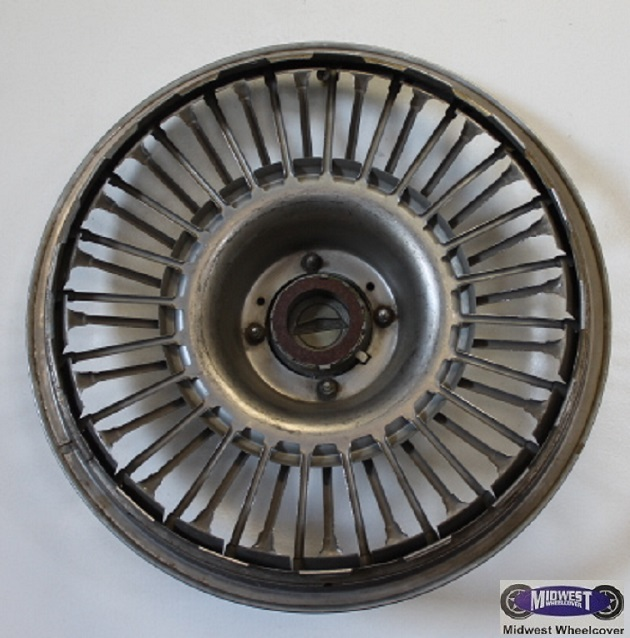 "Kia Of Mankato >> 610, Hubcap, 14"", 65-67, FORD, FAIRLANE, MUSTANG, WIRE TYPE WITH SPINNER."